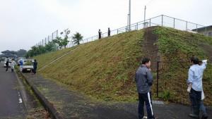 竹田小学校 PTAの作業グループ「むささび会」草刈り