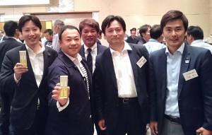 山口佐賀県知事らと地域づくりの話