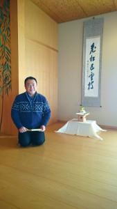 掛軸をかけて、正月を迎える準備 大分県議会議員 土居昌弘