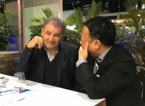 アルジェリア人と会話 大分県議会議員 土居昌弘
