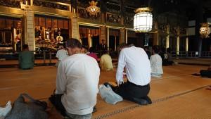 本願寺で晨朝勤行(じんじょうごんぎょう)5 大分県議会議員 土居昌弘